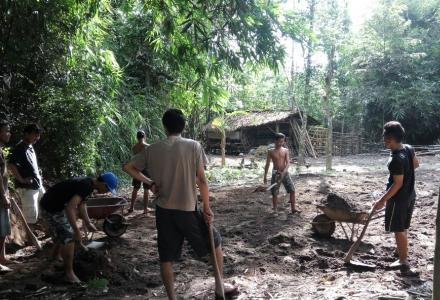 Pembuatan Lapangan Volly