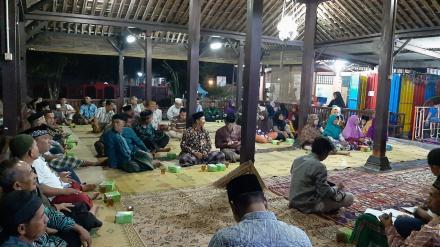 Rapat Pembangunan Masjid dan Rembug Desa di Kampung Glondong