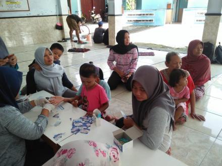 Pendataan dan Cek Golongan Darah di Kampung Glondong
